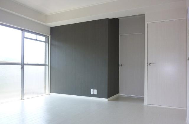 老朽化した室内を一新、マンションのリノベーションによりまるで別空間
