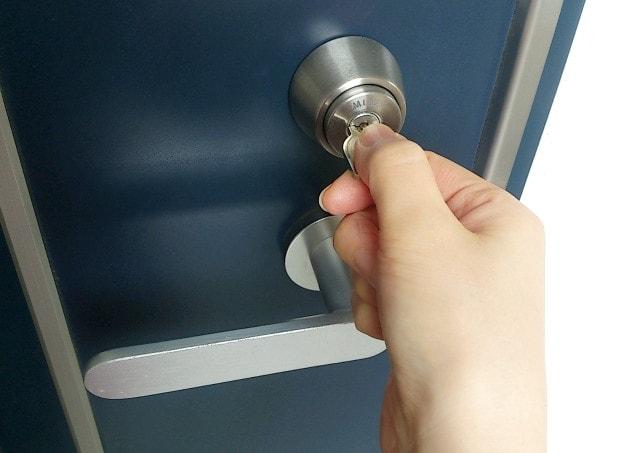 まいを守る!玄関の安全性